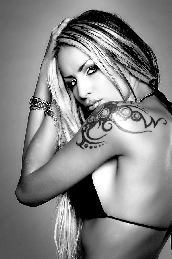 Tatouage Femme Epaule Avant Awesome Article Dalexandra Caussard Sur